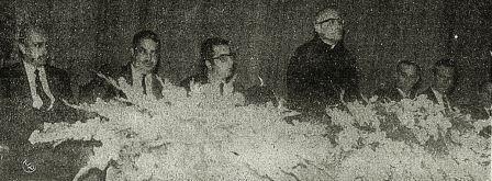 Mesa de abertura do IV CBZ (1970), tendo à frente Jesus Santiago Moure (Fonte: Diário do Paraná de 1° de setembro de 1970, p.1).